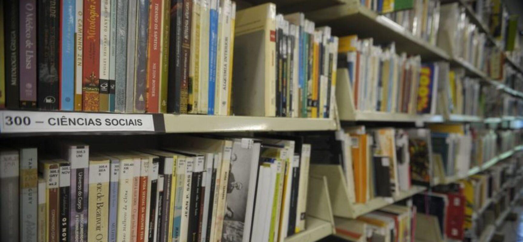 Leitura pode reduzir a pena na prisão, mas ainda há desafios