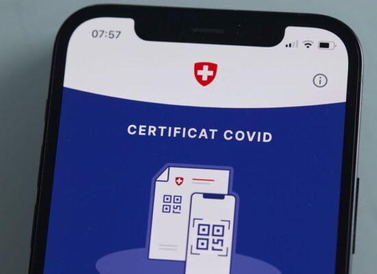 Líderes europeus oficializam certificado digital Covid-19
