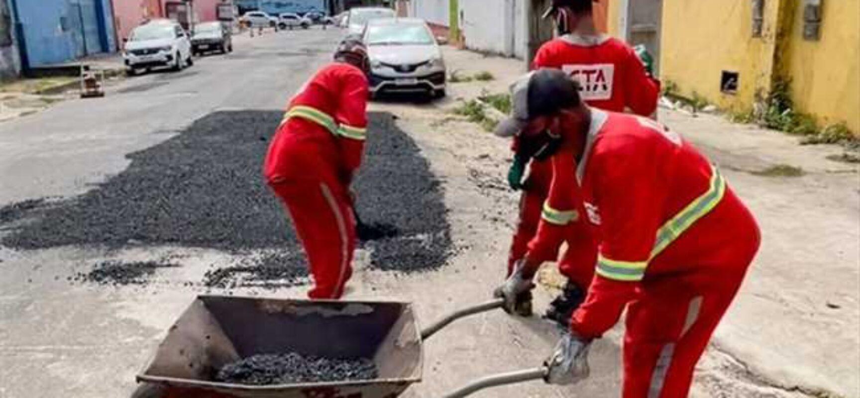 Operação tapa buracos é retomada para melhoria das vias urbanas de Ilhéus