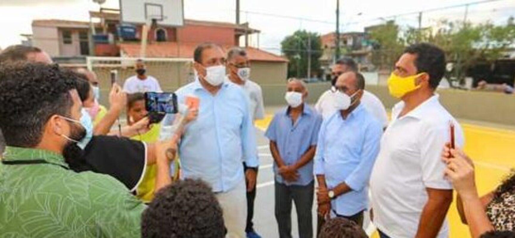 Prefeito Mário Alexandre entrega quadra da Barra completamente reformada para a comunidade