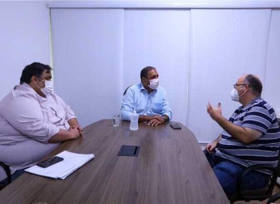 Prefeito recebe empresário do ramo de internet e discute ampliação do serviço em Ilhéus