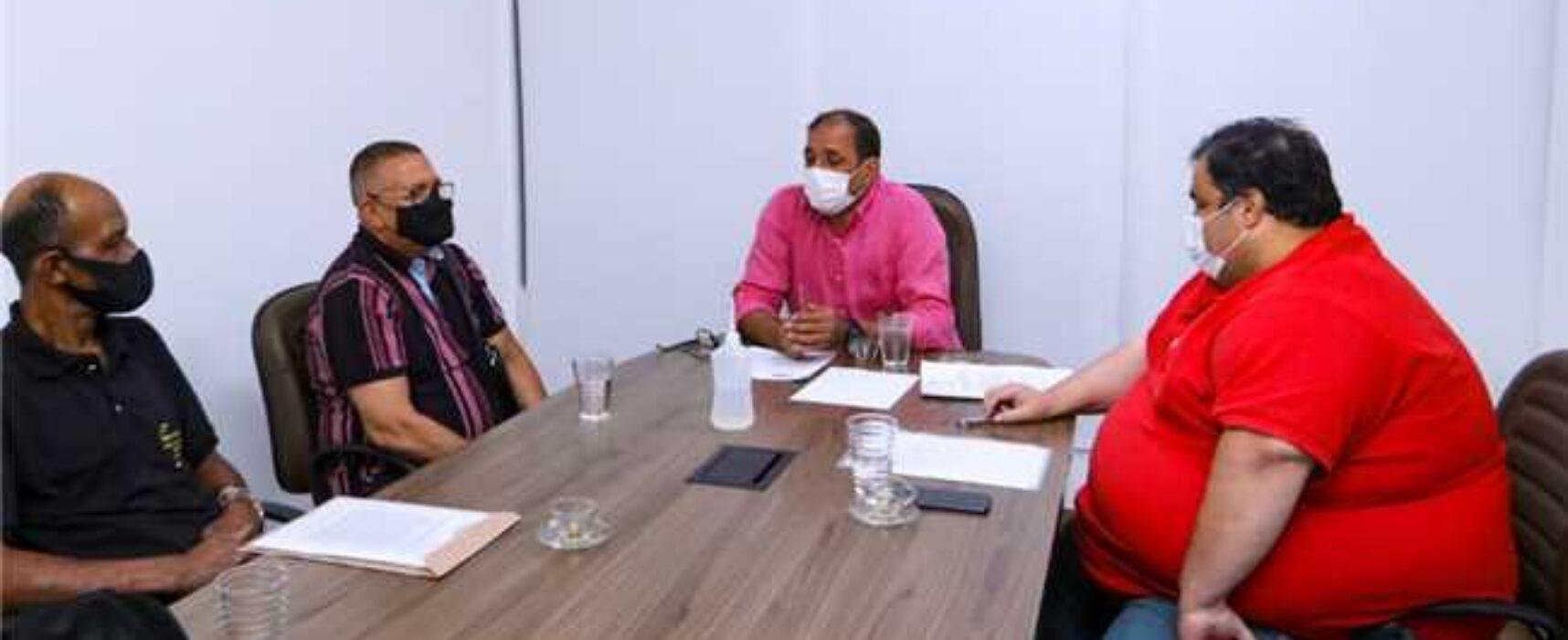 Prefeitura garante atendimentos odontológicos e médicos para trabalhadores da Central do Malhado