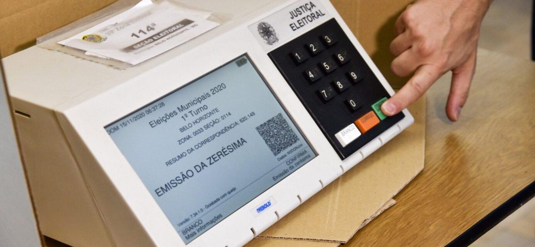 Voto impresso não contribui para a democracia, diz ministro Alexandre de Moraes
