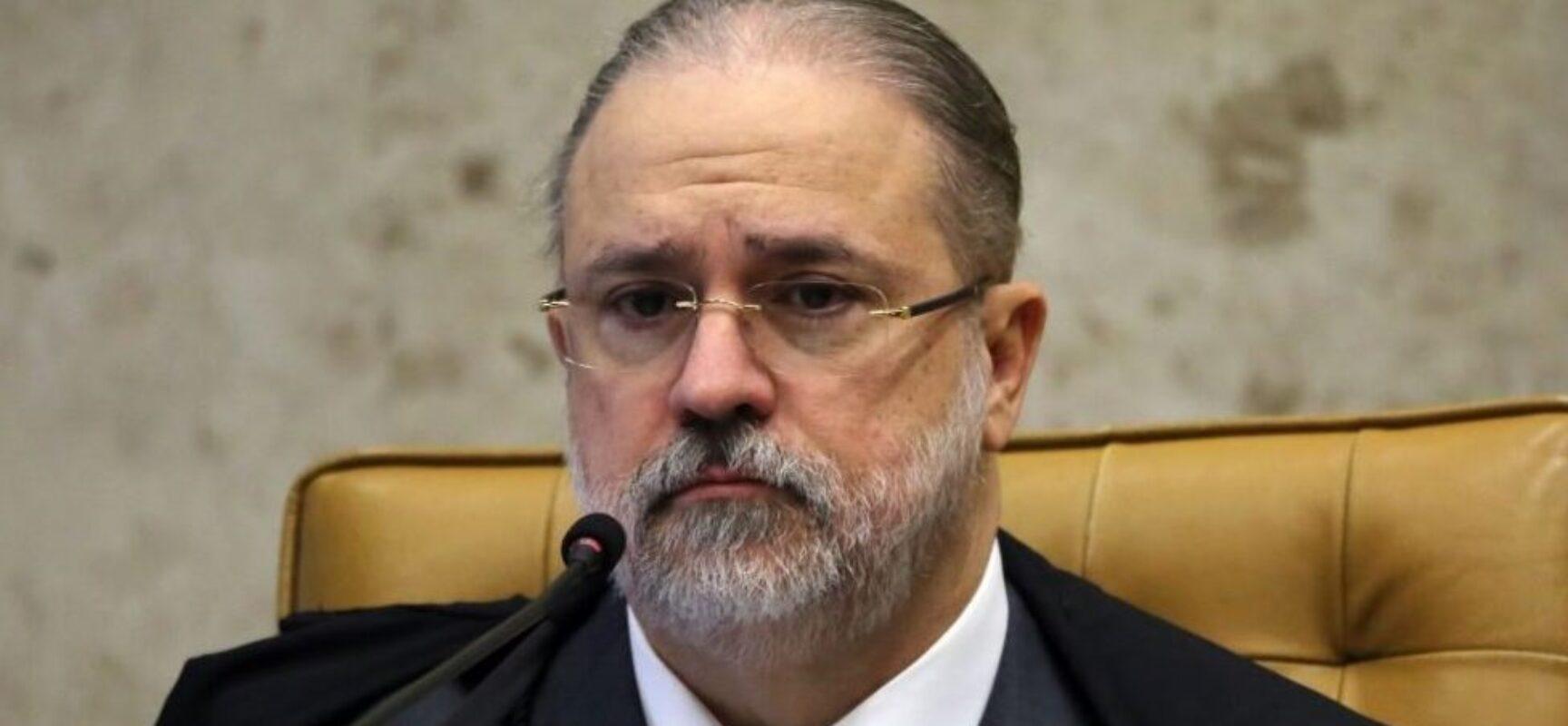 Augusto Aras diz que não houve falta de ação do governo para compra de vacinas