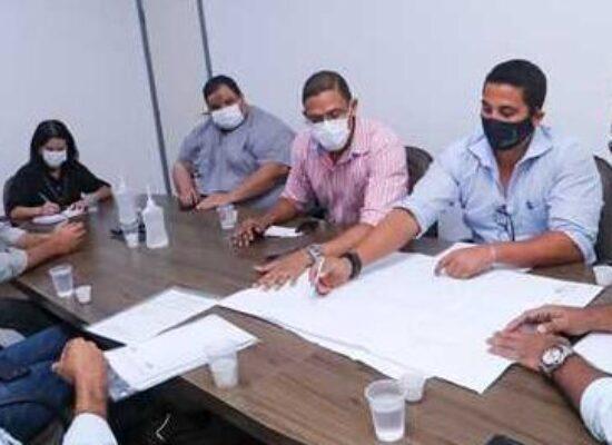 Ilhéus: Prefeito Mário Alexandre se reúne com empresas executoras de três grandes obras