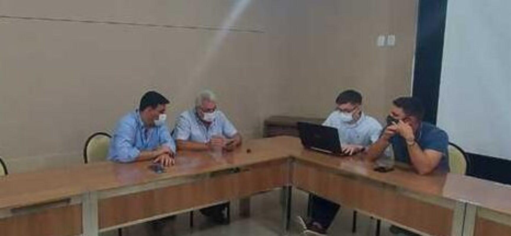 Prefeitura de Ilhéus e Embasa dialogam sobre reparo de buracos em vias públicas do município