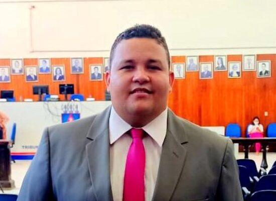 Situação de perigo com postes velhos na zona sul preocupa vereador Kaíque Souza