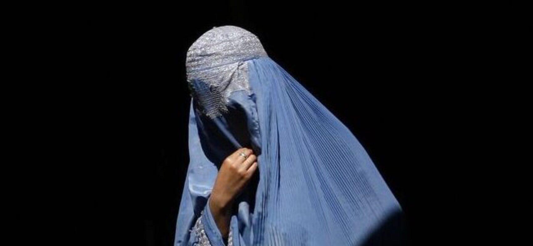 AFEGANISTÃO: Talibã adota tom moderado e promete paz e direitos às mulheres