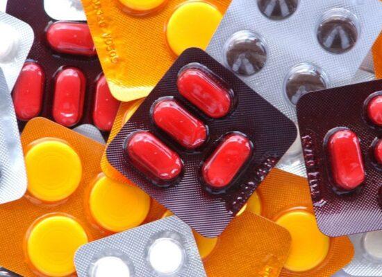 Atraso na entrega de medicamentos provoca desabastecimento na Bahia