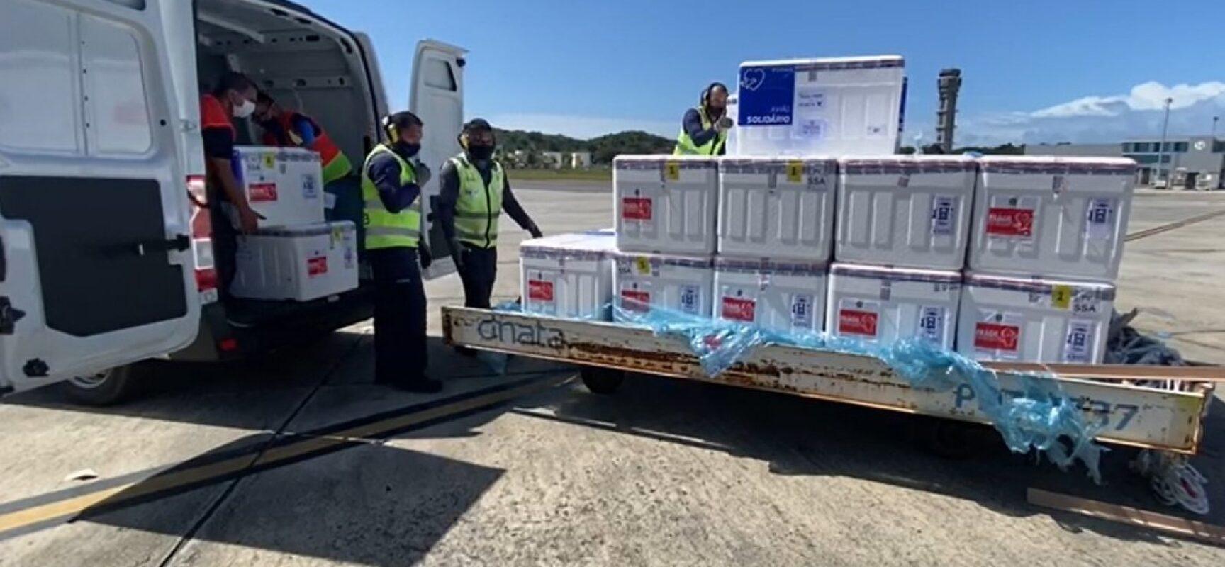 Bahia receberá cerca de 200 mil doses de vacinas contra Covid-19 nesta segunda-feira