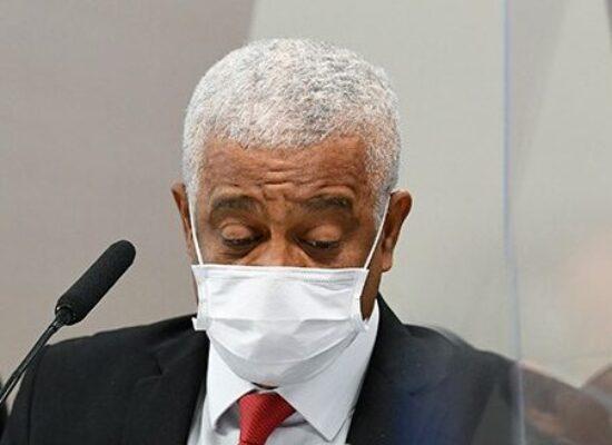 Fabricante de ivermectina lucrou à custa de vidas, acusam senadores da CPI