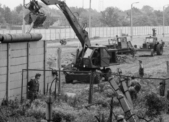 Há 60 anos era erguido o Muro de Berlim, símbolo da Guerra Fria
