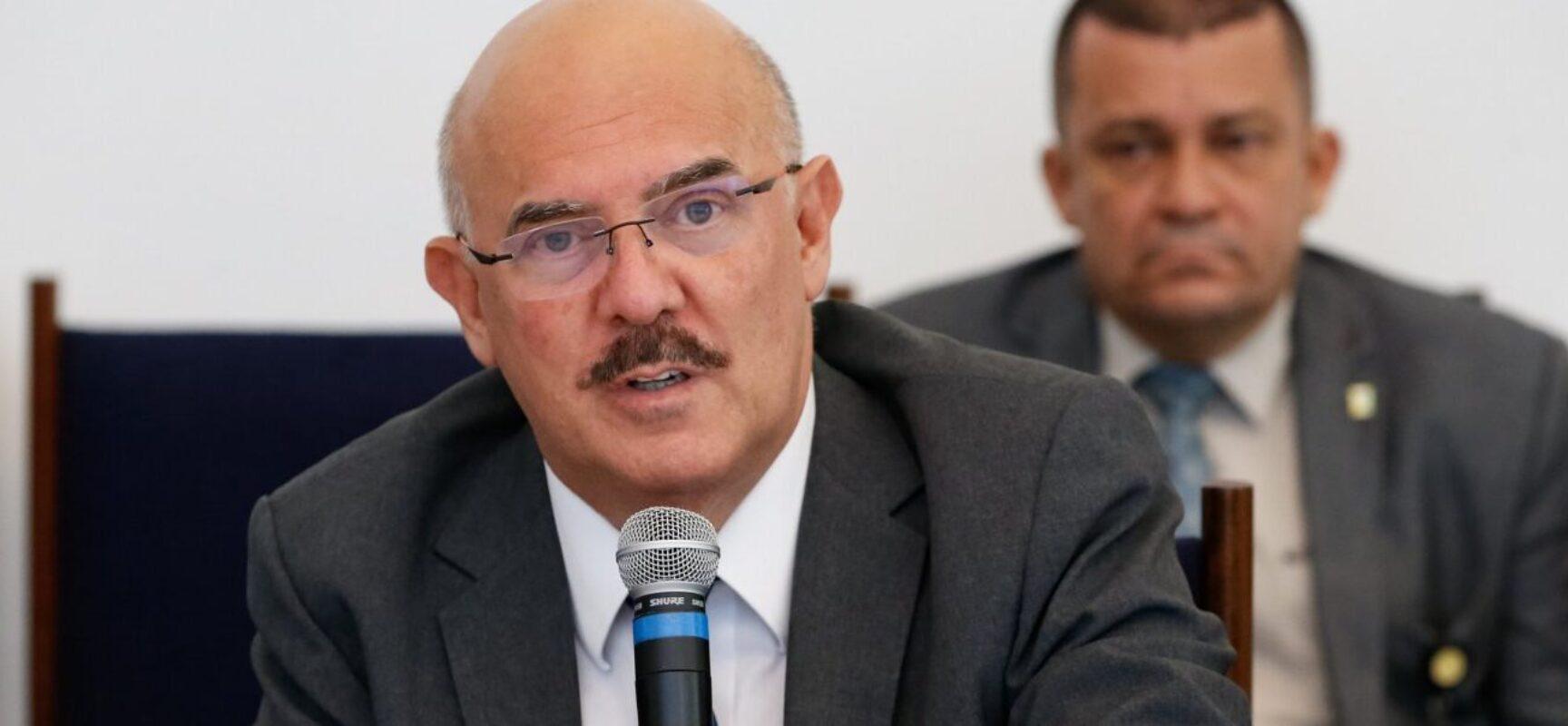 Ministro da Educação volta a questionar utilidade de diploma universitário por falta de emprego