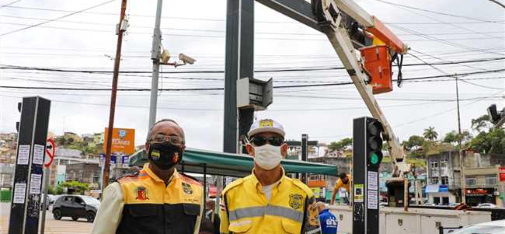 Prefeitura de Ilhéus inicia manutenção nos semáforos da cidade