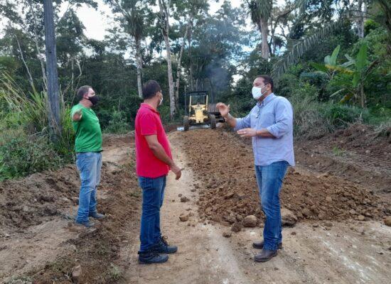 Prefeitura de Itabuna executa melhorias na estrada de acesso a Mutuns