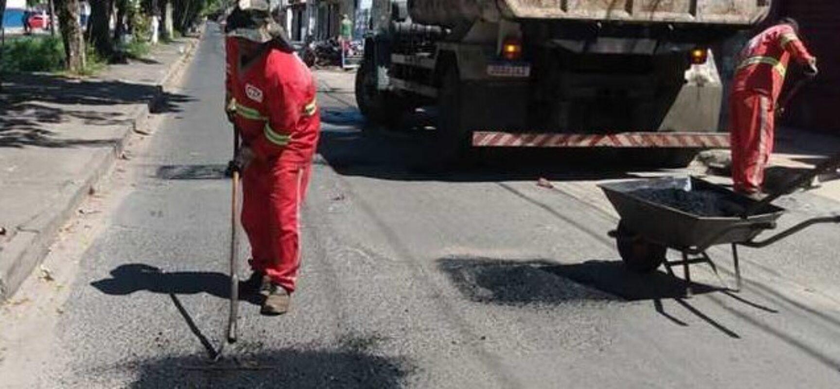 Prefeitura segue com trabalho de recuperação da malha asfáltica e das estradas vicinais de Ilhéus