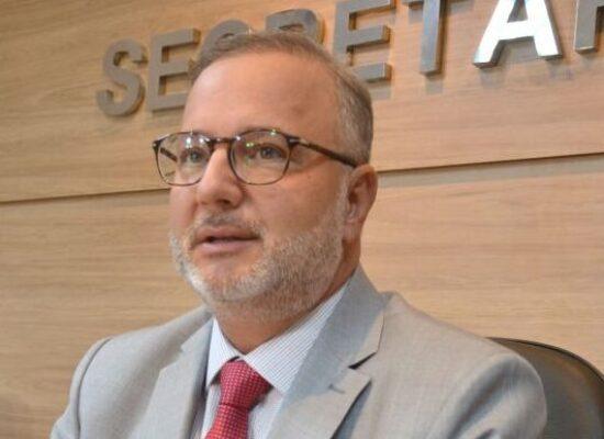 Secretário estadual de Saúde pede exoneração do cargo