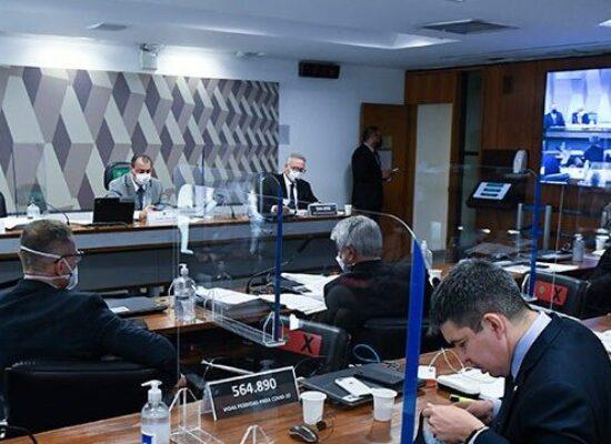 Senadores acreditam que CPI já tem elementos para indiciar Bolsonaro
