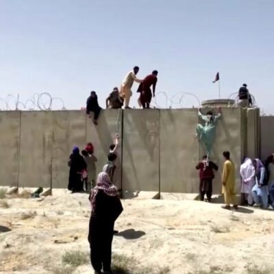 Aeroporto do Afeganistão reabre para chegada de voos humanitários