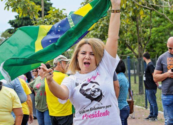 CPI da Covid aprova convocação de ex-mulher de Bolsonaro, Ana Cristina Valle