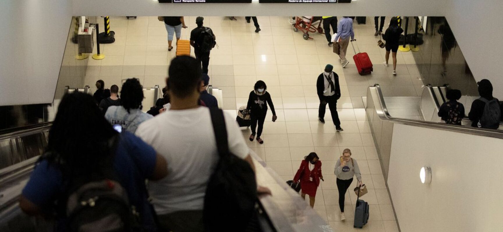 EUA reabrirão para viajantes estrangeiros vacinados, em novembro