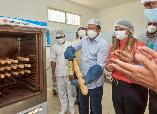 Fundação Marimbeta começa a distribuição de pães do Projeto Alimenta