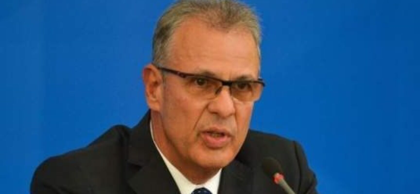 Ministro de Minas e Energia descarta retomada de horário de verão