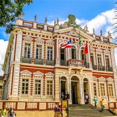 """Mostra da Primavera: Museu da Capitania de Ilhéus apresenta exposição """"Jardim das Flores"""""""