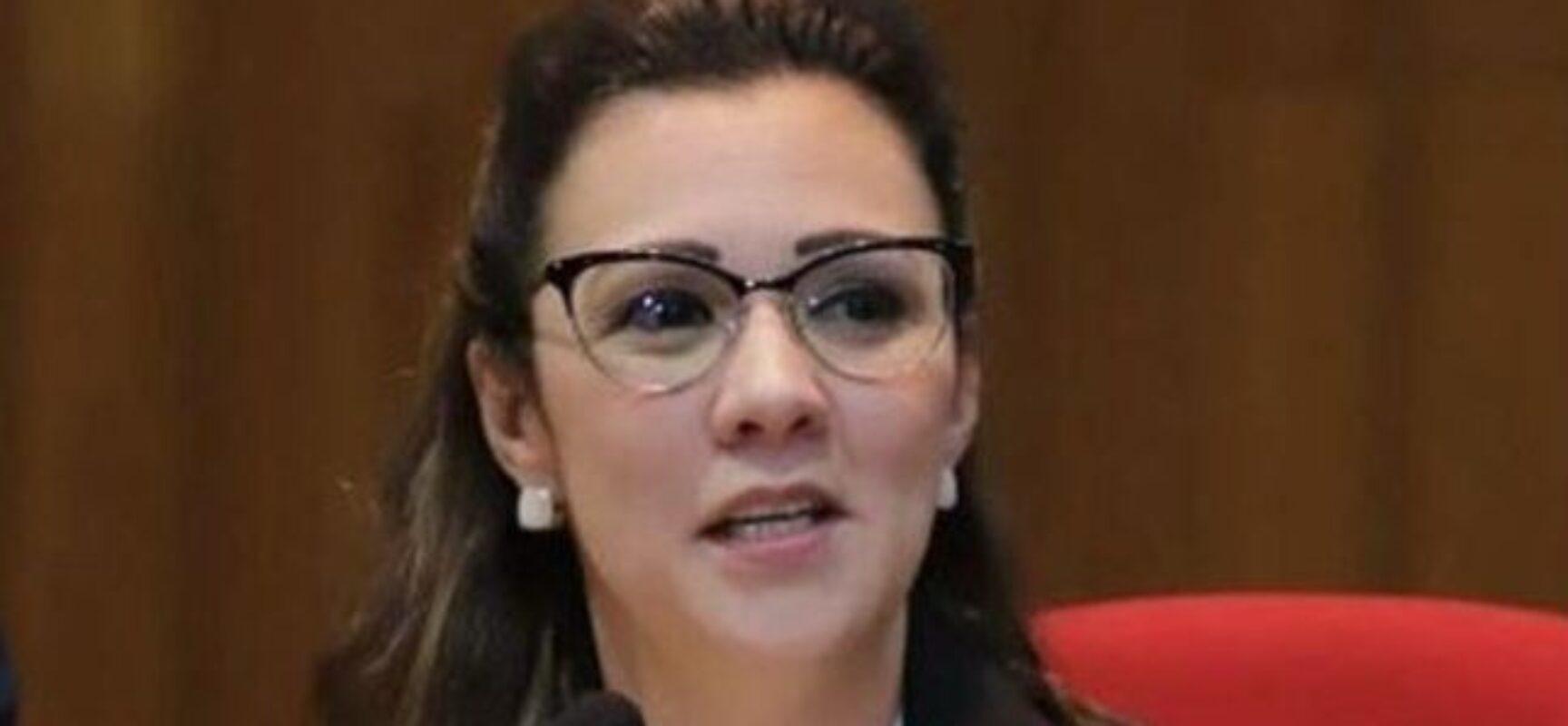 OAB reage à convocação de advogada de Bolsonaro pela CPI