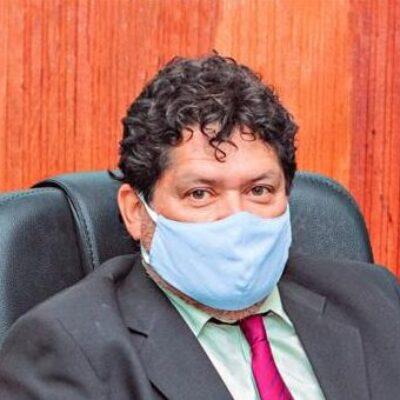 VEREADOR EDVALDO GOMES SOLICITA REQUALIFICAÇÃO E MÃO ÚNICA  DA AV.UBAITABA