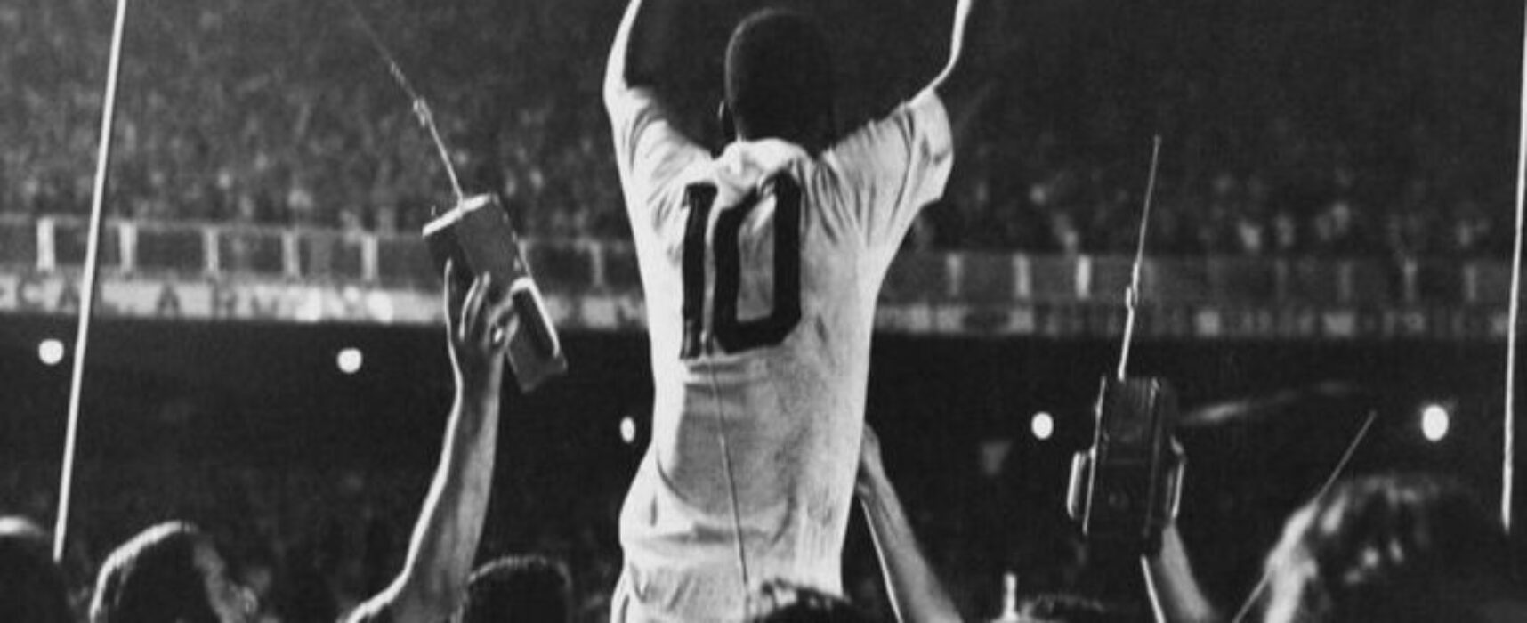 "BARCELONA DE ILHÉUS: Parabéns Rei ""Pelé""."
