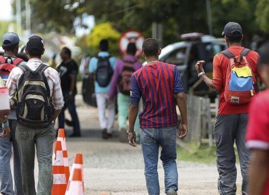 Cartilhas ajudam no acolhimento de refugiados venezuelanos indígenas