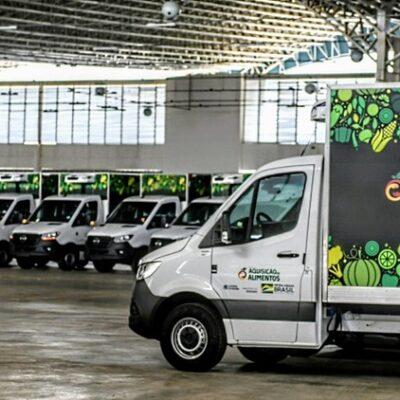 Governo Federal entrega caminhões do Programa Alimenta Brasil na Bahia