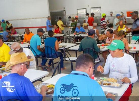 Prefeito Augusto Castro assina Ordens de Serviço de obras do Restaurante Popular e Jardim do Ó